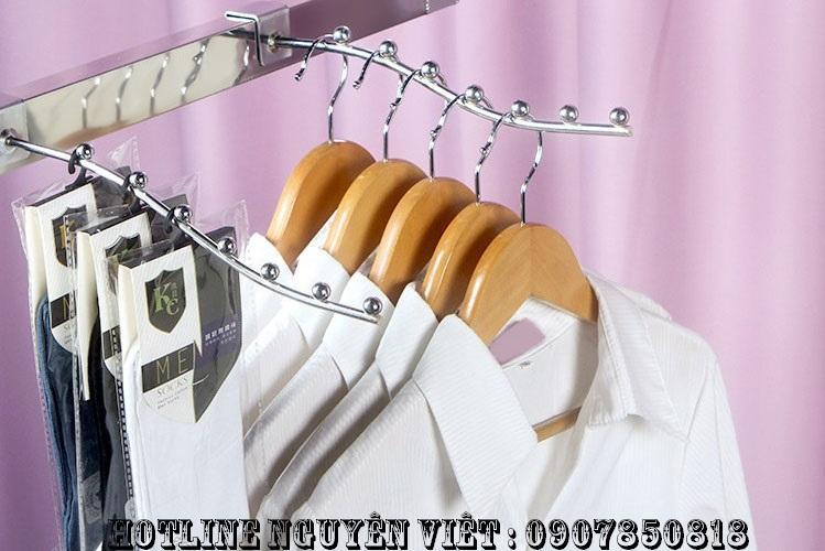 giàn treo quần áo cho shop